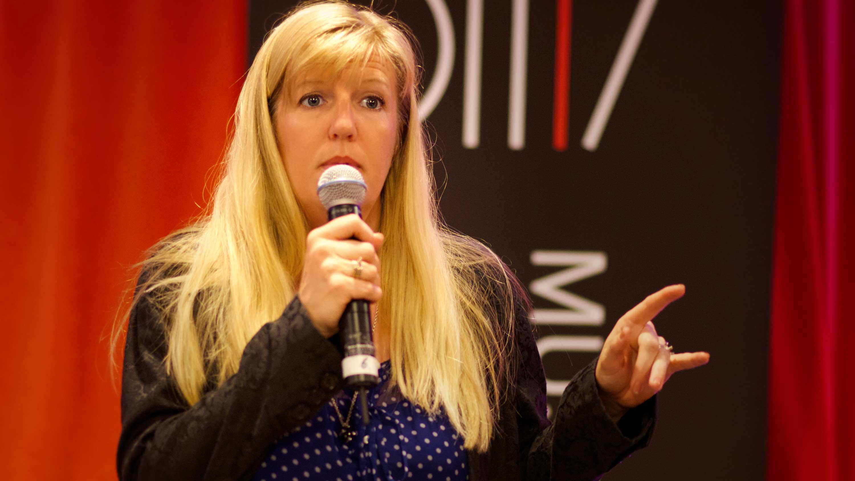 Malin Oest som konferencier/moderator
